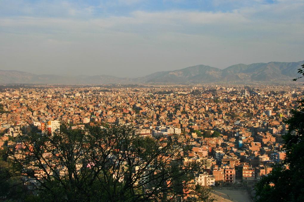 "<img class=""pull-center"" title=""панорама Катманду"" src=""https://www.journeys6senses.com/wp-content/uploads/2015/10/Nepal_2327.jpg"" alt=""Что посмотреть в Катманду за три дня"">"