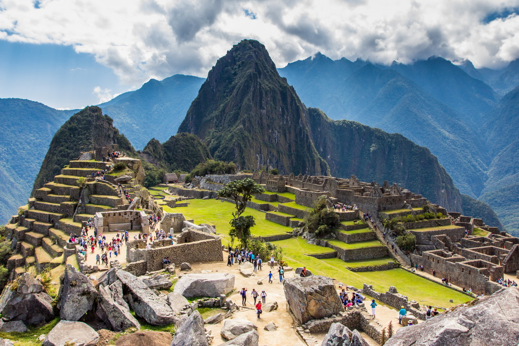 "<img class=""pull-center"" title=""Мачу Пикчу, Перу"" src=""https://www.journeys6senses.com/wp-content/uploads/2016/01/IMG_0808.jpg"" alt=""Как бесплатно попасть на Мачу Пикчу"">"