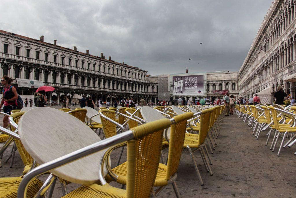 "<img class=""pull-center"" title=""Венеция. Италия"" src=""http://www.journeys6senses.com/wp-content/uploads/2020/04/IMG_4290-1024x683.jpg"" alt=""Венеция, Сан Марко, Север Италии"">"