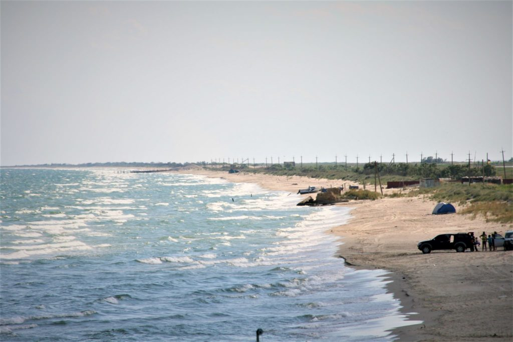 "<img class=""pull-center"" title=""Море, Лебедевка, Украина"" src=""http://www.journeys6senses.com/wp-content/uploads/2020/04/IMG_6822-1024x683.jpg"" alt=""Украина"">"