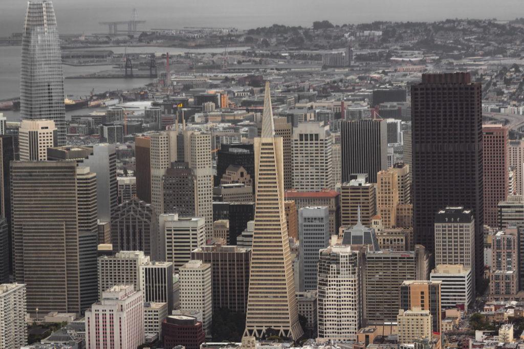 "<img class=""pull-center"" title=""Сан-Франциско, США"" src=""http://www.journeys6senses.com/wp-content/uploads/2020/04/IMG_9717-2-1024x682.jpg"" alt=""Сан-Франциско с высоты птичьего полета"">"