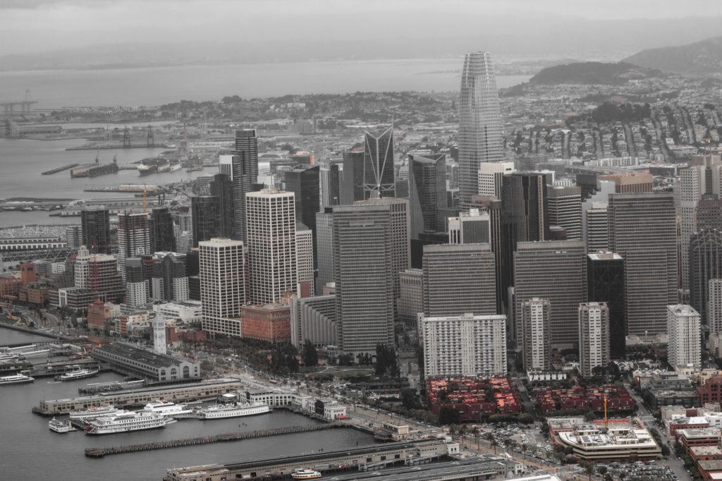 "<img class=""pull-center"" title=""Сан-Франциско, США"" src=""http://www.journeys6senses.com/wp-content/uploads/2020/04/IMG_9723-2-1-1024x682.jpg"" alt=""Сан-Франциско с высоты птичьего полета"">"