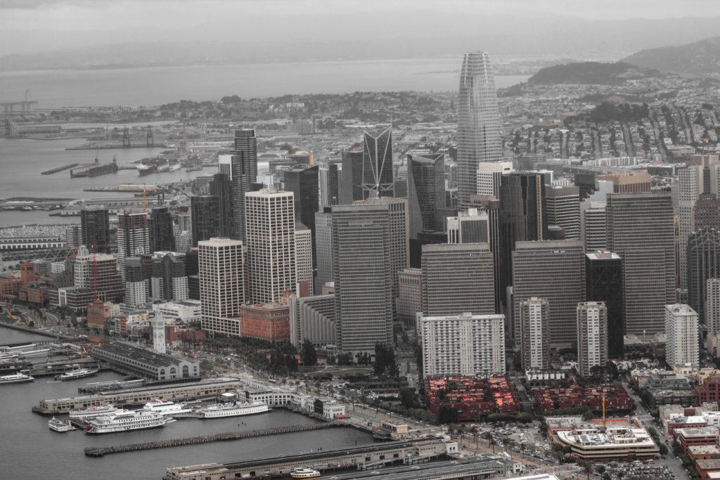 "<img class=""pull-center"" title=""Сан-Франциско, США"" src=""http://www.journeys6senses.com/wp-content/uploads/2020/04/IMG_9723-2-1024x683.jpg"" alt=""Сан-Франциско с высоты птичьего полета"">"
