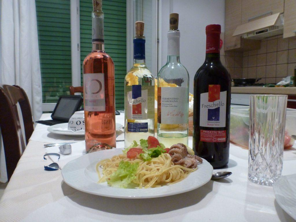 "<img class=""pull-center"" title=""вино. Италия"" src=""http://www.journeys6senses.com/wp-content/uploads/2020/04/P1030899-1024x768.jpg"" alt=""Венето, вино"">"